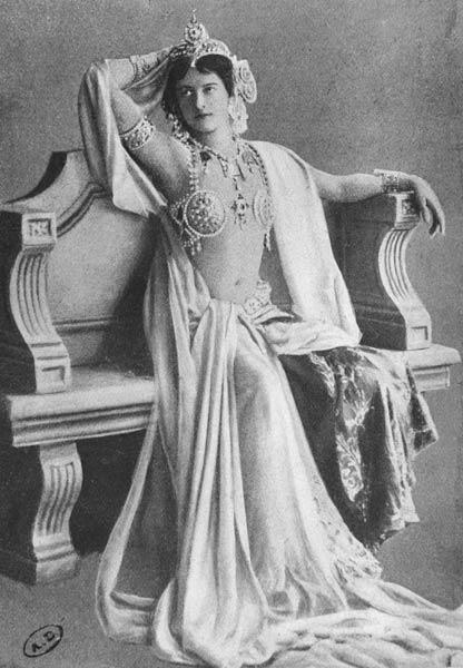 Mata Hari, 1910 (b/w photo)