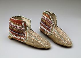 Pair of moccasins, Iroquois
