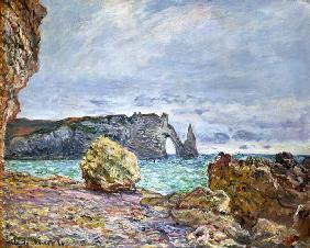 Etretat, beach and Falaise d ' Aval 1884