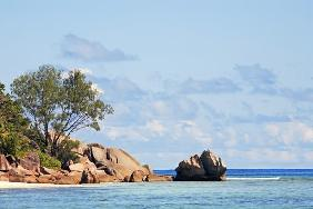 granite rocks of praslin