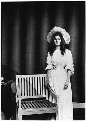 Portrait of Julie Manet aged 16 (1878-1966) 1894 (b/w photo)