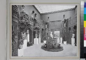 Hall of sculptures on the Dyaghilev's Exposition de l'Art russe at the Salon d'Automne in Paris in 1