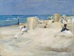 On the beach of Nordwijk. 1908