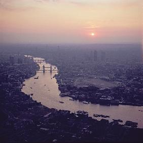 Aerial view of London, looking West along the River Thames