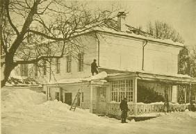 House of Leo Tolstoy in Yasnaya Polyana in Winter